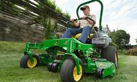 Tonte de gazon / coupe de pelouse / nivelage de terrain