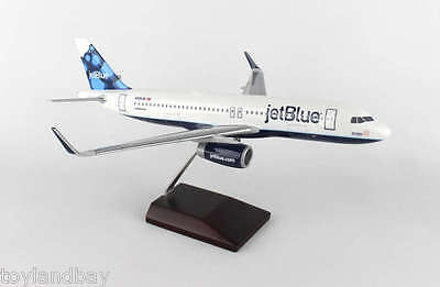 Executive Models G52010e Jetblue Airlines Airbus A320 1 100 Scale Blueberries