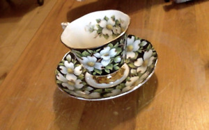 Royal Albert Tea Cups and Saucers (Made in England)