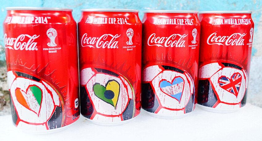 sammelleidenschaft die dosen und flaschen von coca cola. Black Bedroom Furniture Sets. Home Design Ideas