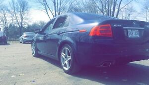 ACURA TL NAVIGATION 5500$ NON NEGOCIABLE 151000km Mecanique a1
