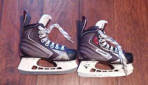 like new bauer vapor sz 1.5 skates