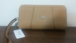 GUESS WALLET - Color: Natural - BRAND NEW