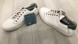 Mint Condition (New)- CLARK'S Leather Shoes (White)