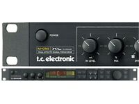 TC Electronic M-One XL , Dual-Engine 24-Bit Multi Effects Processor.