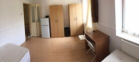 MASSIVE DOUBLE BETHNAL GREEN AREA! AVAILABLE NOW!