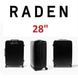 """NEW* RADEN SMART LUGGAGE W/BATTERY - 125034293 - SPINNER SUITCASE WEIGH LOCATE AND CHARGE 28""""x21""""x13"""" HUNTER GREEN"""