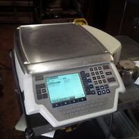 Hobart Quantum label printer