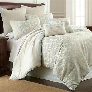 NEW 8pc Queen Size Jacquard Comforter Set (worth 250.00)