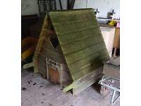 FRINTON AREA ... large CHICKEN COUP & detatchable RUN .. fox safe,sturdey,paintable,portable,wooden