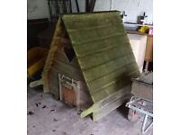 FRINTON AREA - medium sized CHICKEN COUP or RABBIT HOUSE .. detatchable run