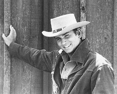 MICHAEL LANDON AS JOSEPH 'LITTLE JOE' CARTWR 8X10 PHOTO lovely image 174010