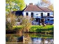 Full Time Waiting Staff Required for Busy Country Pub In Esher