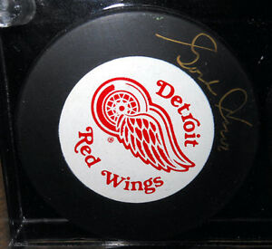 AUTHOGRAPHED PUCK SET GORDIE HOWE MAURICE RICHARD BOBBY HULL Cambridge Kitchener Area image 2