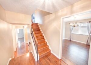 HUGE HOUSE FOR RENT NEAR UPPER CANADA MALL AT YONGE AND KINGSTON