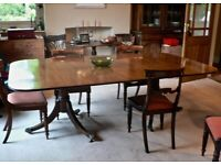 Elegant Mahogany dining Table