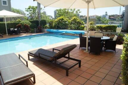 Female Share-room Close to City Kangaroo Point Brisbane South East Preview