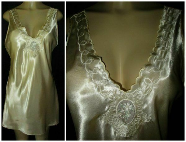 """Vtg ValMode GOLDEN Shiny SATIN Nightgown Catherdral Window M 38"""""""