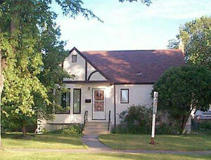 Beautiful 3 Bedroom House in Riverview - 160 Balfour