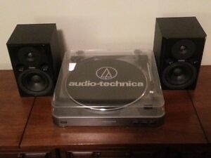Audio-Technica AP-LP60 Turntable/2 Fostex Speakers-Barely Used