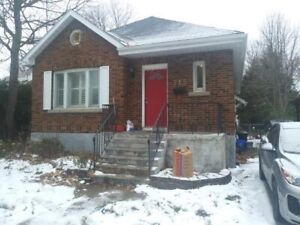 Room for Summer Sublet - Fully furnished, utilities included