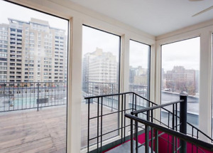 ** DOWNTOWN ** 4Bed - 2bath + Private terrace **