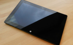 Microsoft Surface RT 64GB + Case
