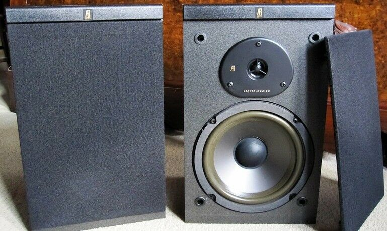 Acoustic Research AR 102 Bookshelf Speakers