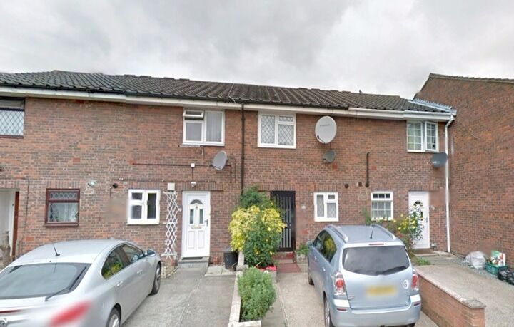 Two Double Bedroom Terraced House Northolt