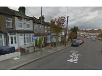 Dss Welcome**** 2 bed house conversion flat in Newbury Park, close to station, IG2