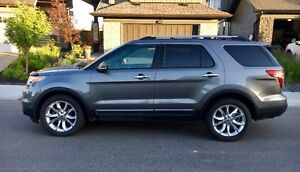 2011 Ford Explorer Limited SUV - Low KM's - Excellent condition
