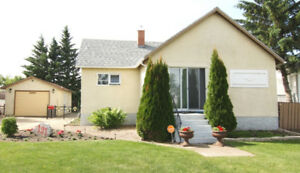 Charming Home for Sale 121 21st Street, Battleford
