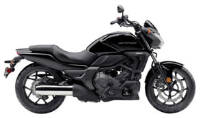 2014 HONDA CTX700N  **ONLY 3,052 KMS  -- LIKE NEW**