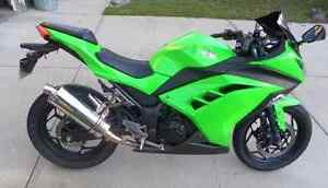 Kawasaki Ninja 300 EX300 lime green (non ABS model)