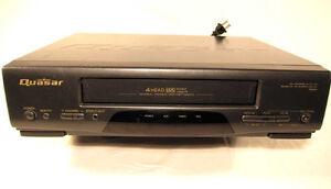 Deux magnétoscopes VCR vidéo VHS
