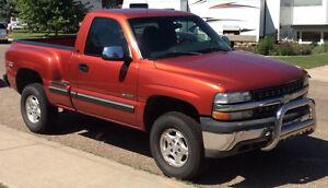 2001 Chevrolet C/K Pickup 1500 step-side Z71 Pickup Truck