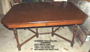DINING TABLE GATE LEG STYLE NICE TABLE