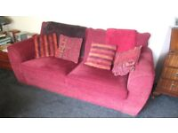 bed settee in crimson (free)