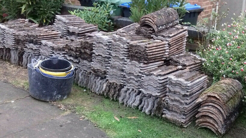 1,000 LUDLOW ROOF TILES & RIDGE