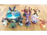 Skylanders Bundle including 12 figures and portal