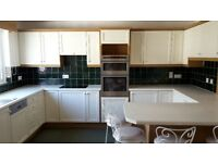 Complete Kitchen for sale with integrated appliances