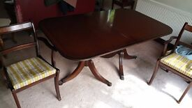 Matching Classic Extendable Dining Room Table and 6 chairs (two carvers)