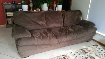 HARVEY NORMAN 3 SEATER LOUNGE FREE Terrigal Gosford Area Preview