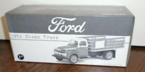 NEW FIRST GEAR 1951 TEXACO FORD HAVOLINE STAKE TRUCK, MINT BOX, 19-2237 1/34
