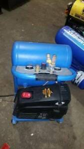 Mastercraft 5 Gallon Compressor $199