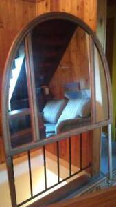 Dresser mirror, clean & really good condition, offered at $50.00