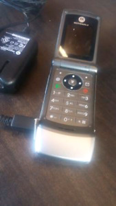 MOTOROLA ROGERS W370 FLIP PHONE