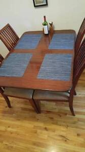 Drop-leaf dining table, seats 2-6: FREE DELIVERY ON WEDNESDAY EV