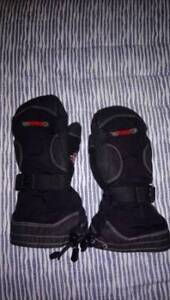 Force 10 gauntlet style snowboard/ski gloves/mittens