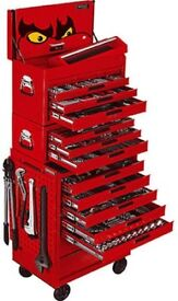 Teng 600 piece tool kit with tool box roller cab